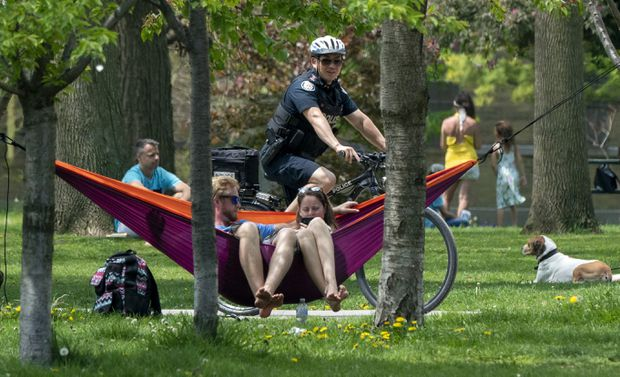 Toronto officials condemn 'dangerous' behaviour at packed Trinity Bellwoods Park
