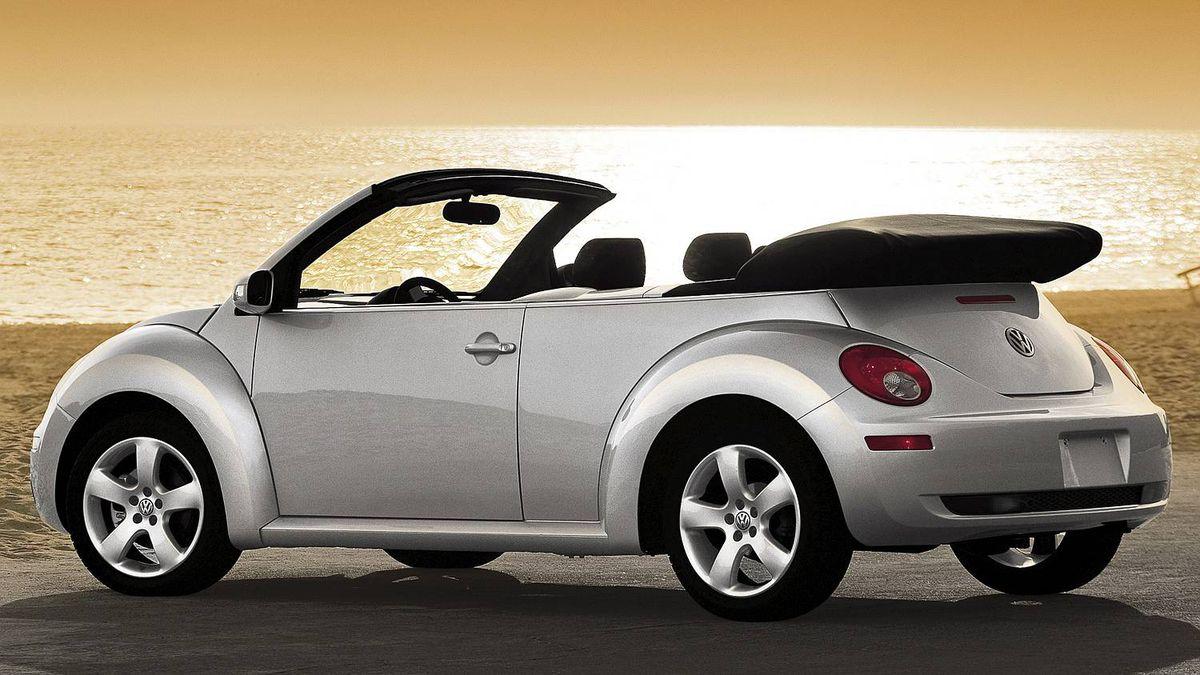 Caption: 2006 Volkswagen Beetle Convertible