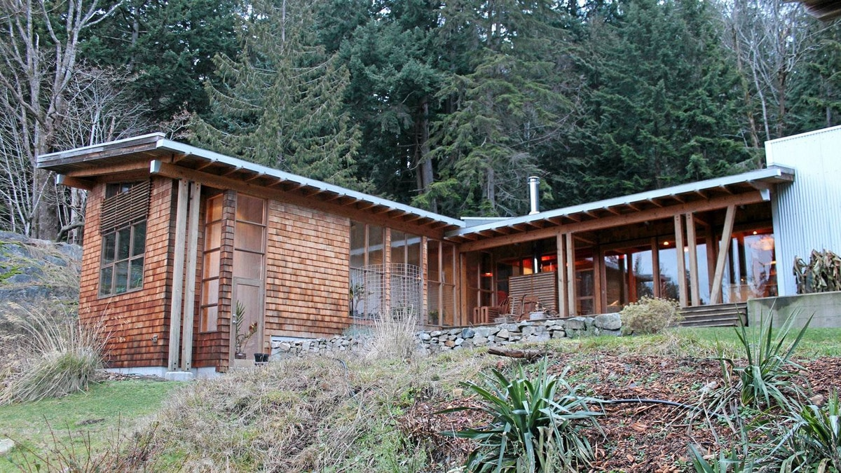 The Pearson residence, Bowen Island, British Columbia, designed by James Tuer.