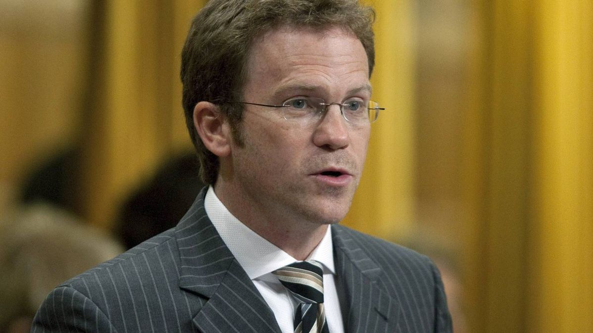 Newfoundland Liberal MP Scott Simms votes to keep the gun registry in the House of Commons on Sept. 22, 2010.