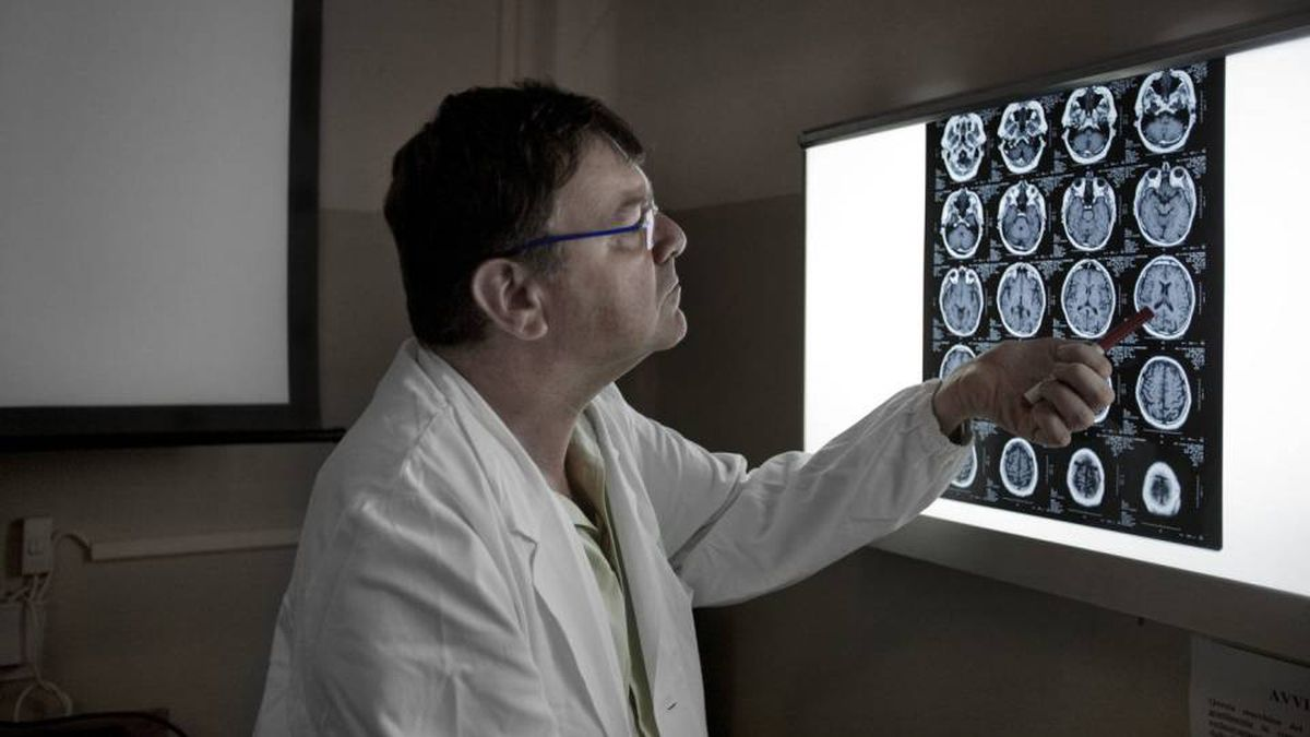Italian doctor Paolo Zamboni made world news with his experimental treatment for MS, which immediately prompted calls for studies.