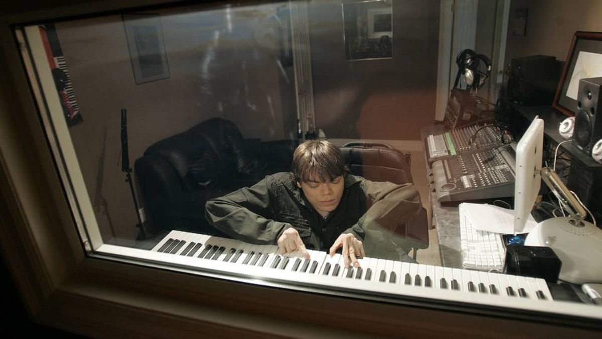 Justin Hines, seen here at his home studio in Newmarket, Ont., released a second album, Chasing Silver, this week.