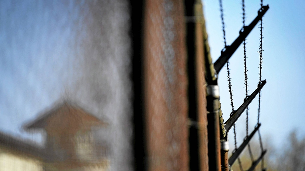 Barbed wire seen on an exterior fence at Kingston Penitentiary in Kingston, Ont. Thursday, April 19/2012. The government announced today that they will close the maximum security facility which is home to some of Canada's most notorious criminals.