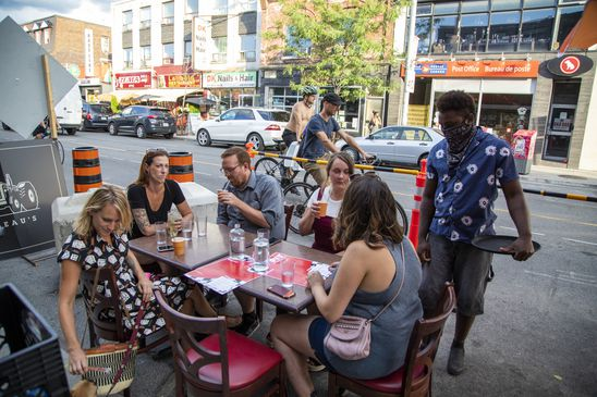 Curbside bars, restaurants in Toronto allowed to use portable heaters in bid to extend patio season