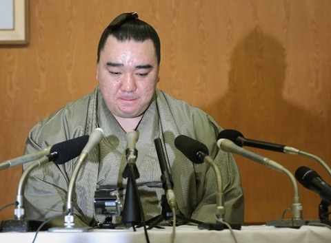 Sumō Champion Harumafuji Retires over Assault Case (News)