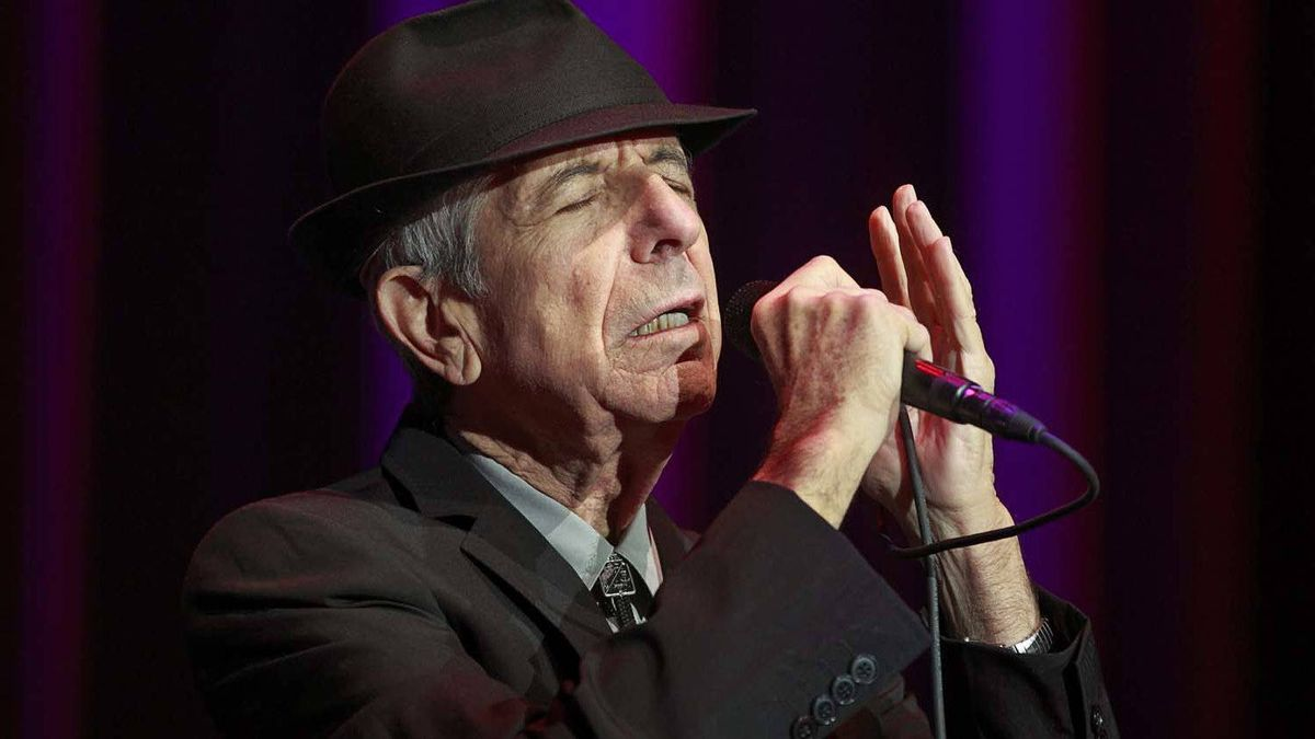 Leonard Cohen performs at Rogers Arena in Vancouver on Dec. 2, 2010.