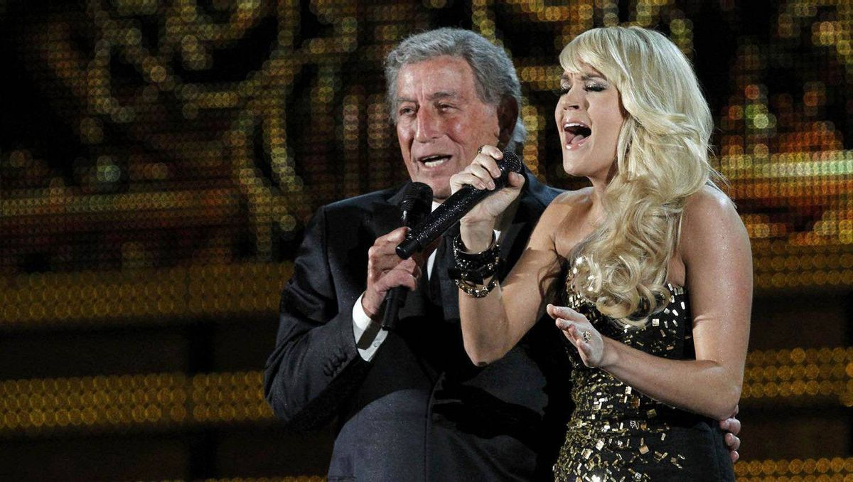 Tony Bennett and Carrie Underwood perform It Had to Be You.