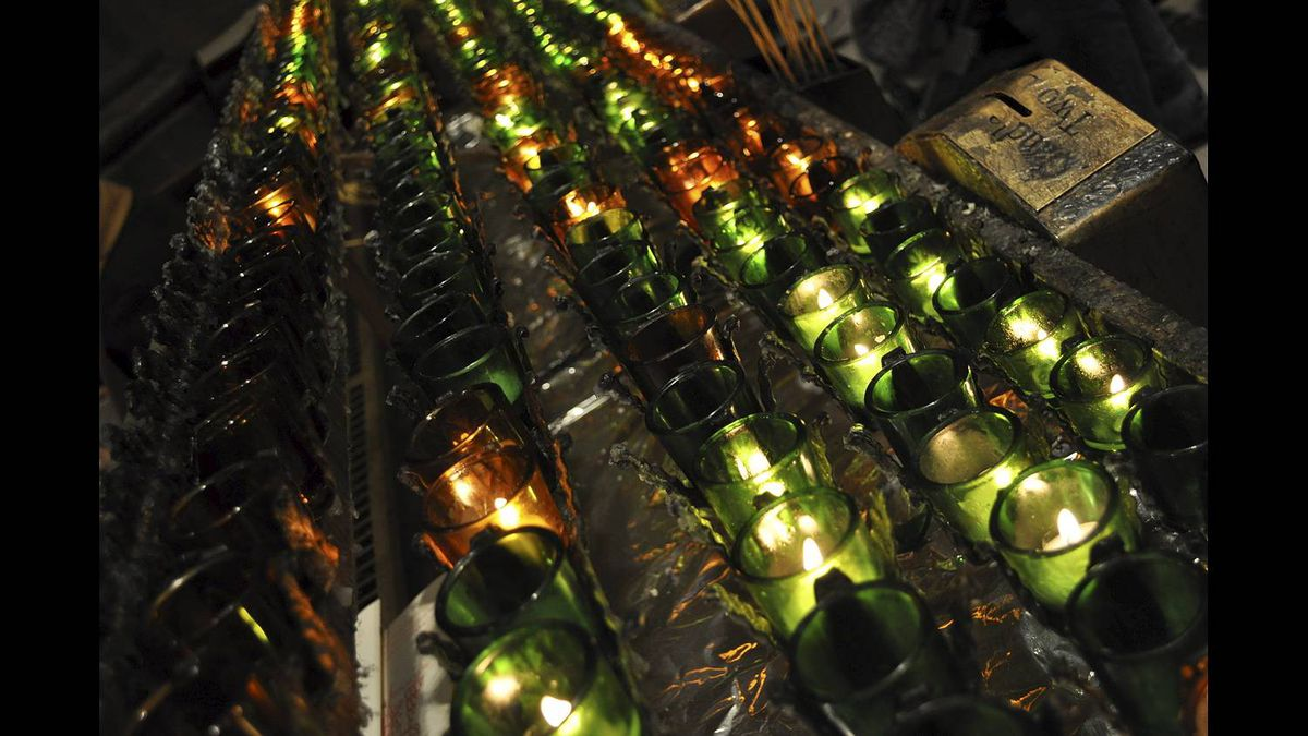 Lisa Binns photo: Love for Everyone - Candles lit at the Cathedral of Saint Patrick in New York.
