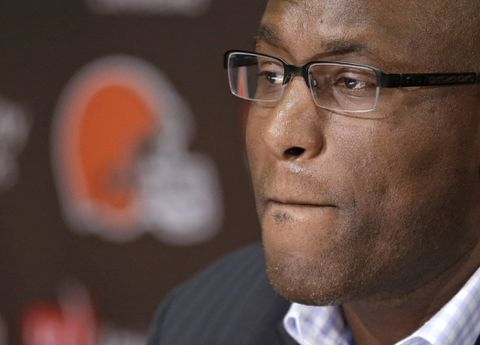 NFL suspends Browns general manager four games for texting