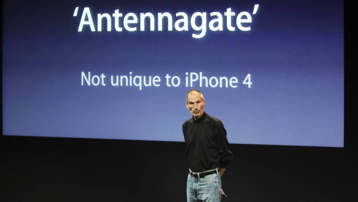 """Apple CEO Steve Jobs talks about """"Antennagate"""" during a news conference on problems with the iPhone 4 at Apple headquarters in Cupertino, California."""