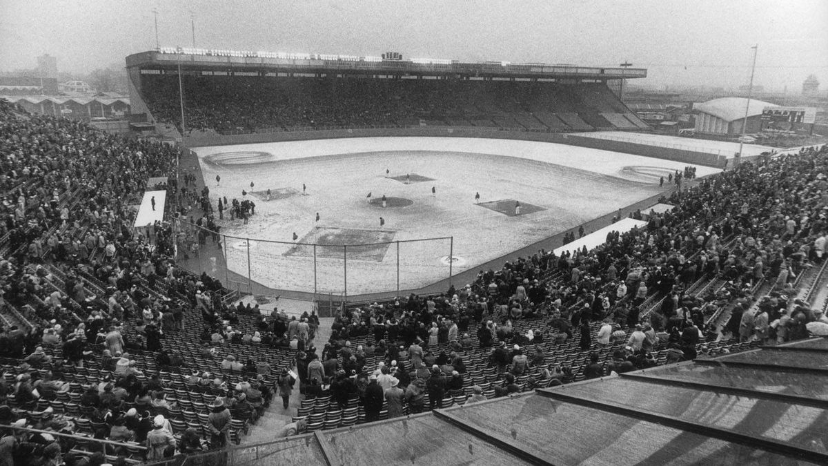 Toronto Blue Jays' first game, April 7, 1977.