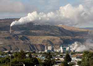 The smokestack from the Domtar pulp mill Thursday Sept. 25, 2008 in Kamloops B.C. NDP Leader Jack Layton earlier blasted the carbon tax schemes of both B.C. government and Stephane Dion.