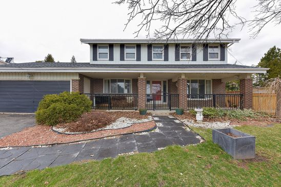 Buyers hesitate to start early battle over family home in Burlington
