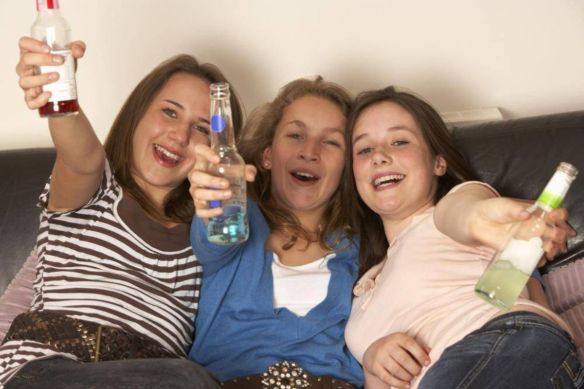 the epidemic of alcohol and teen drinking and teen drinking 11 facts about teens and alcohol the average age teen boys first try alcohol is and other conditions linked to alcohol teens who drink heavily are three.