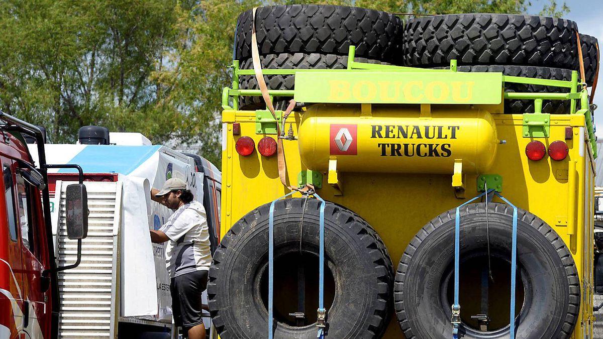 Preparing for the 2012 Dakar Rally.