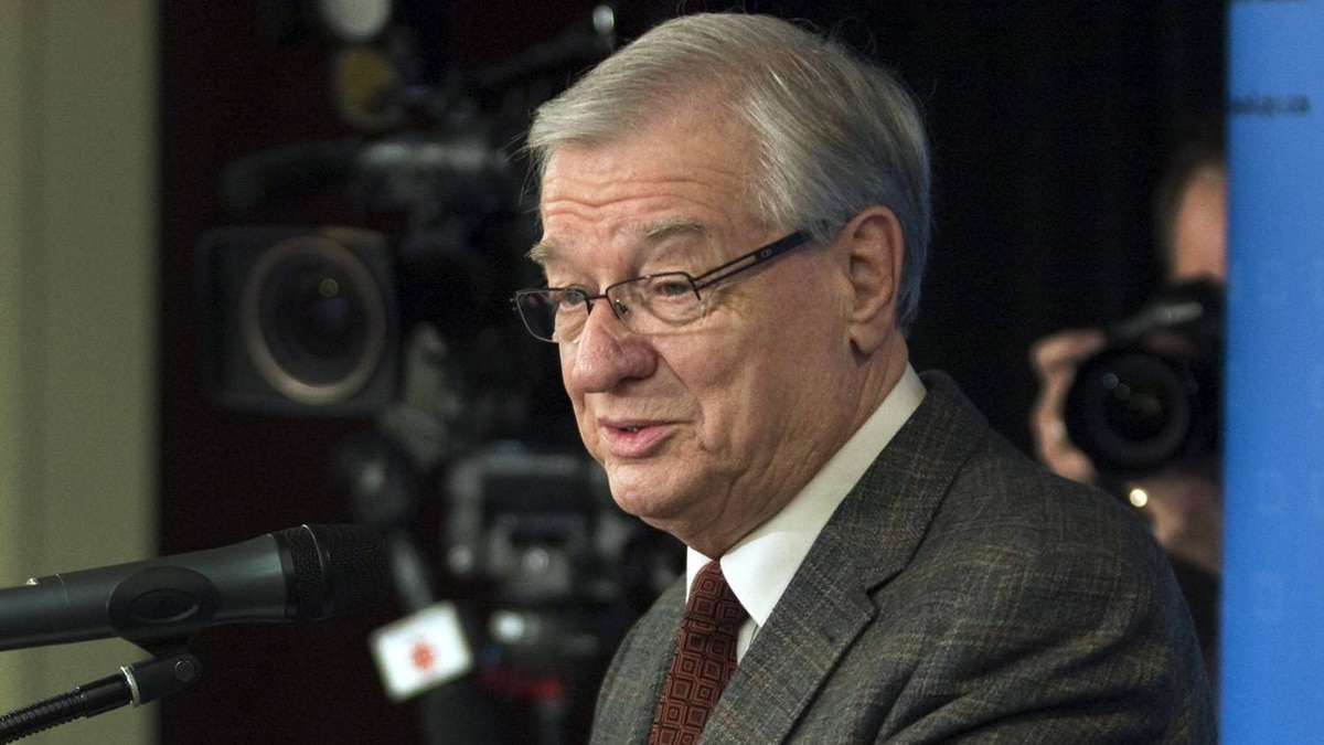 Gilles Vaillancourt: The Mayor of Laval has been accused of attempting to make illegal cash contributions to two elected officials. Bloc Québécois MP Serge Ménard said Mr. Vaillancourt offered an envelope containing $10,000 when he was a Parti Québécois candidate in a 1993 provincial by-election. Liberal MNA Vincent Auclair said Mr. Vaillancourt also offered him cash during a 2002 provincial by-election. Mr. Vaillancourt denied the allegations and threatens to sue both.