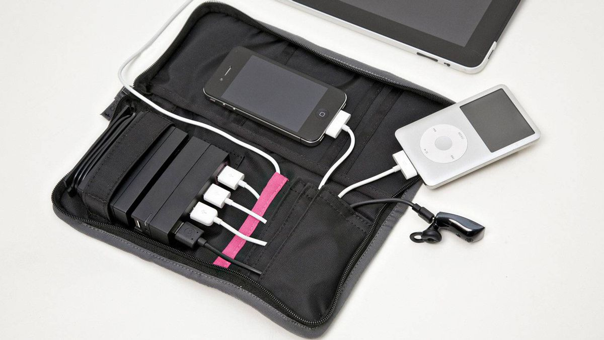 AViiQ portable charging station Business travellers will love this stylish wallet, which combines a four-port USB hub and a single electrical plug in one. No more mucking around with multiple cables and adapters for those with a smart phone, tablet, bluetooth headset and MP3 player. They can keep everything neat, tidy, and zipped up. (US$79.99; aviiq.com)
