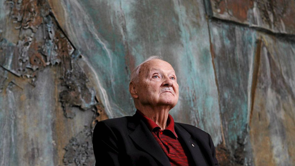 Environmentalist and businessman Maurice Strong says Prime Minister Stephen Harper has allowed his ideology to cloud his thinking on climate change, which Mr. Strong believes is the most serious issue facing humankind.