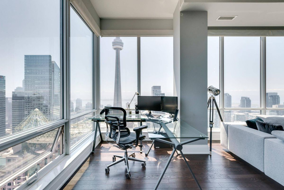 Home Of The Week A Toronto Penthouse Suited To Star