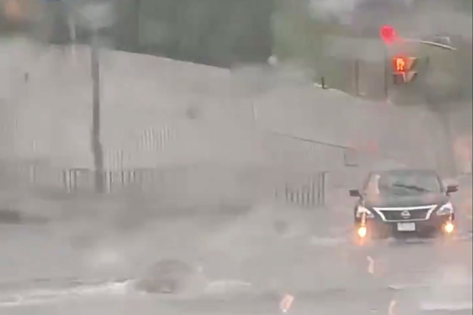 Heavy rains bring flash floods to Toronto area - The Globe