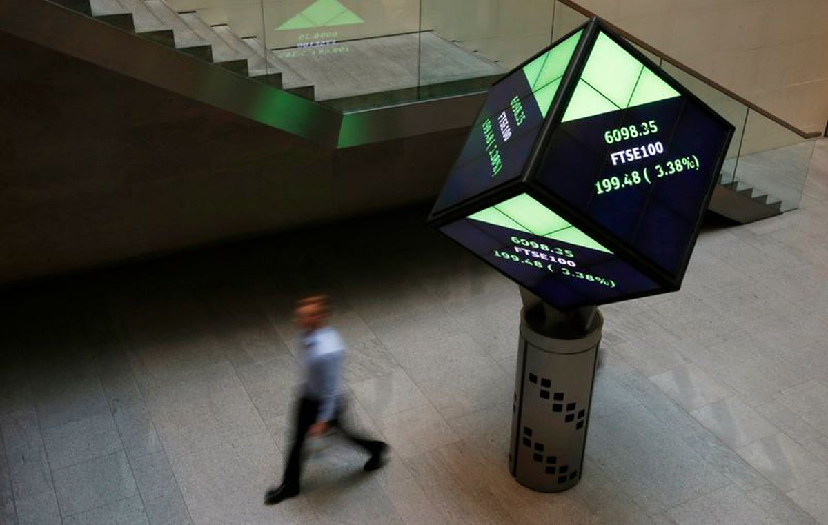 At midday: TSX rises as higher gold prices lift miners, U.S. stocks at... image