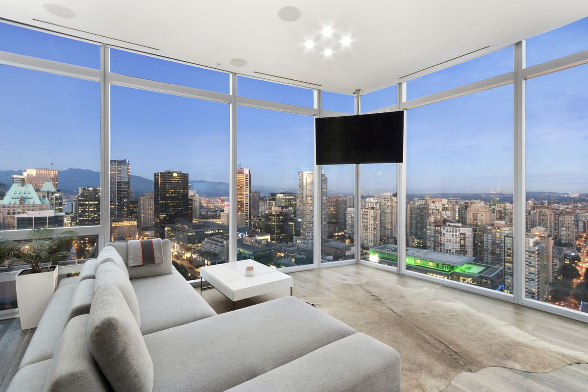 Downtown Vancouver condo sells after first bid is rejected