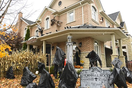 'It doesn't make sense': Backlash grows after Ontario's advice for Halloween trick-or-treating in hot spots