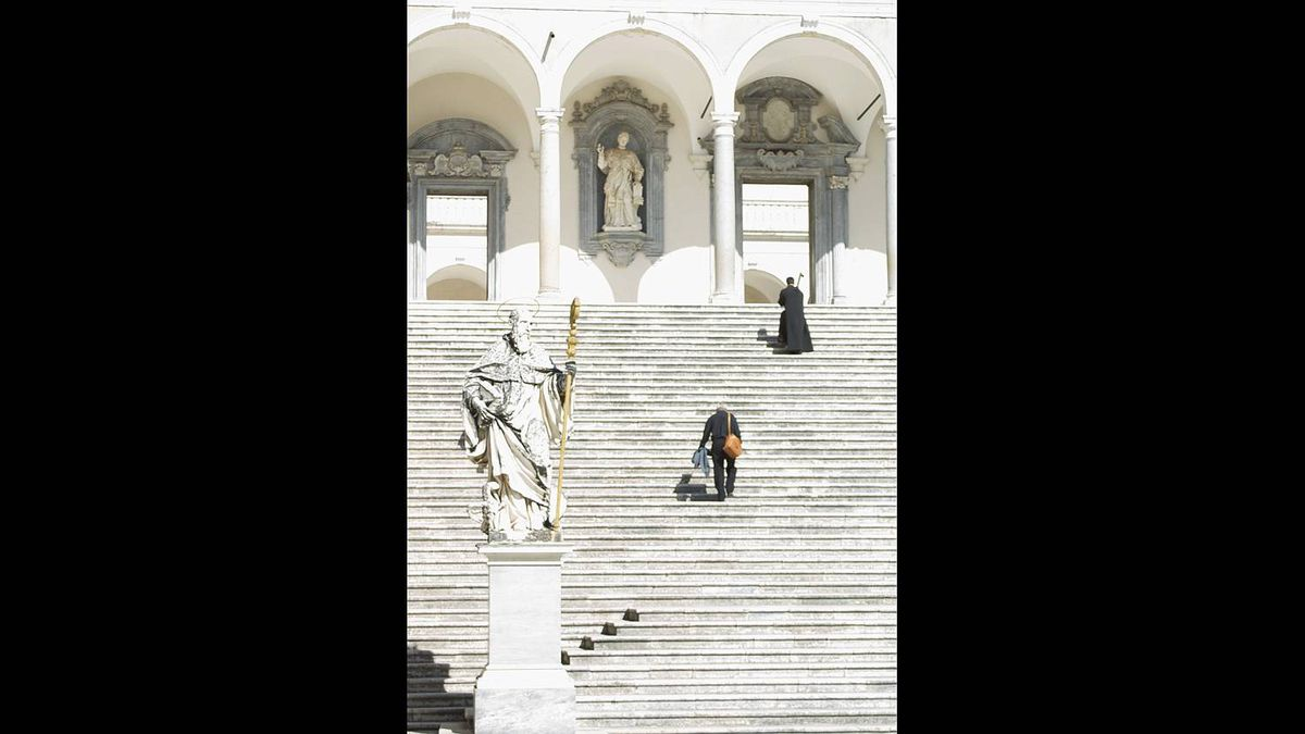 Sandro Del Re photo: Climbing the Steps to the Abbey of Montecassino - These are the steps to the reconstructed Abbey at Montecassino. It was detroyed by Allied bombing during WWII.