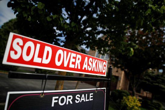 Toronto, Hamilton housing markets less risky, CMHC says
