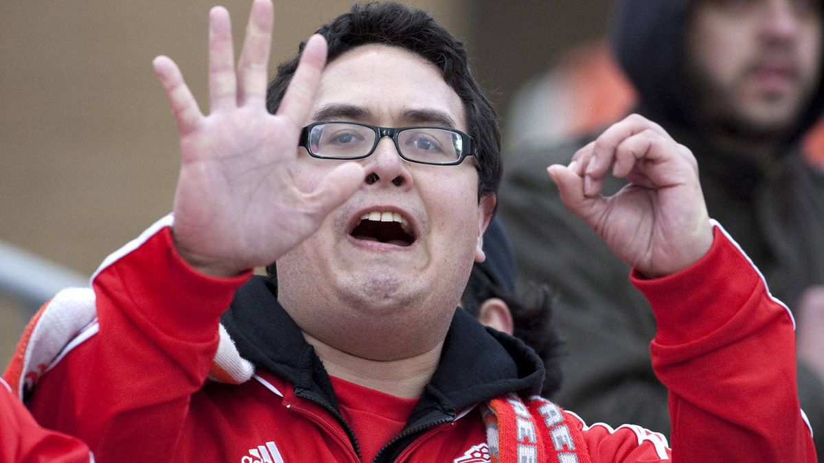 A disgruntled Toronto FC fan shows the team's record as they record their fifth loss in five games following the 1-0 defeat to Chivas USA during MLS action in Toronto on Saturday April 14, 2012. THE CANADIAN PRESS/Chris Young
