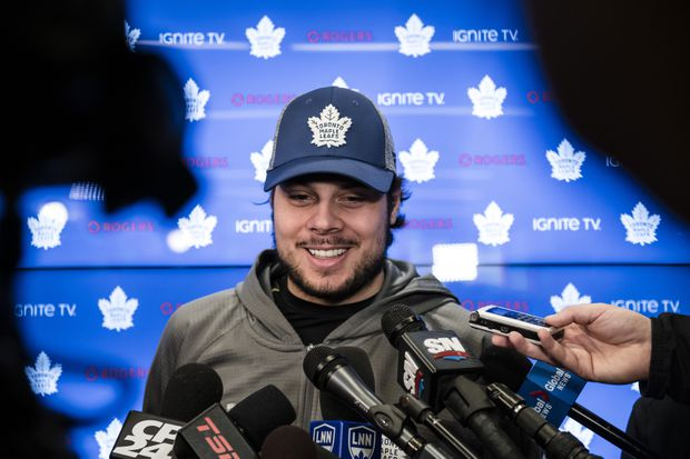 Maple Leafs star Matthews content to stay out of Marner contract talks