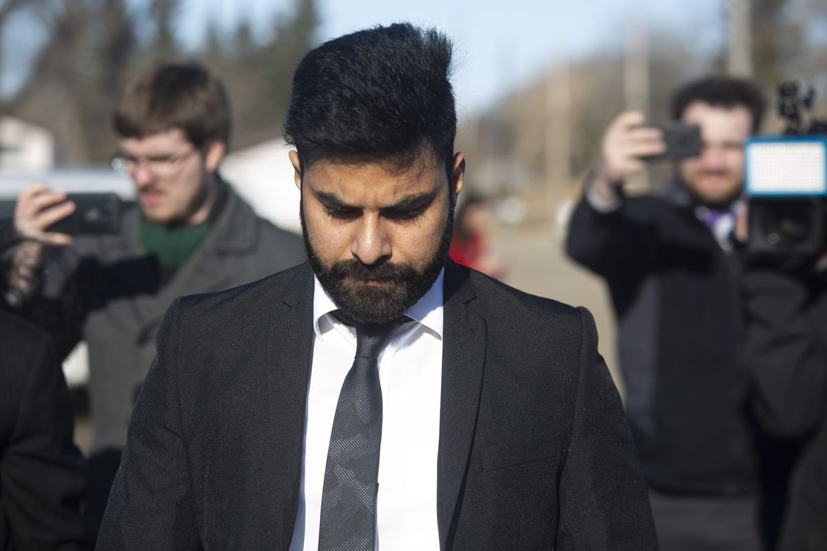 Truck driver in fatal Humboldt Broncos crash sentenced to eight years…