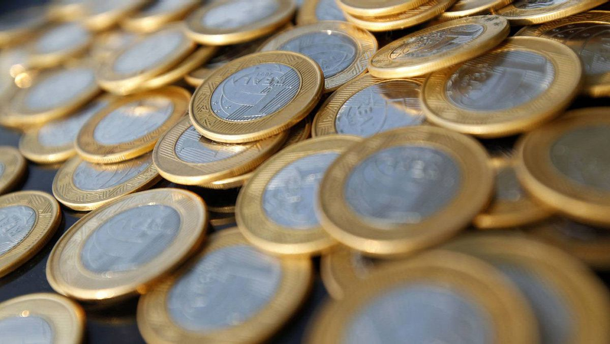 Brazilian real coins are seen in this picture illustration taken in Rio de Janeiro October 15, 2010.