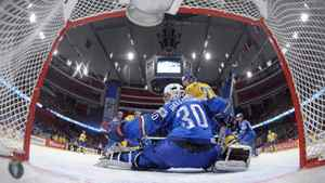 Sweden's Patric Hornqvist (R) tries to score past Italy's goalkeeper Daniel Bellissimo during their 2012 IIHF men's ice hockey World Championship game in Stockholm May 12, 2012. REUTERS/Joel /Pool