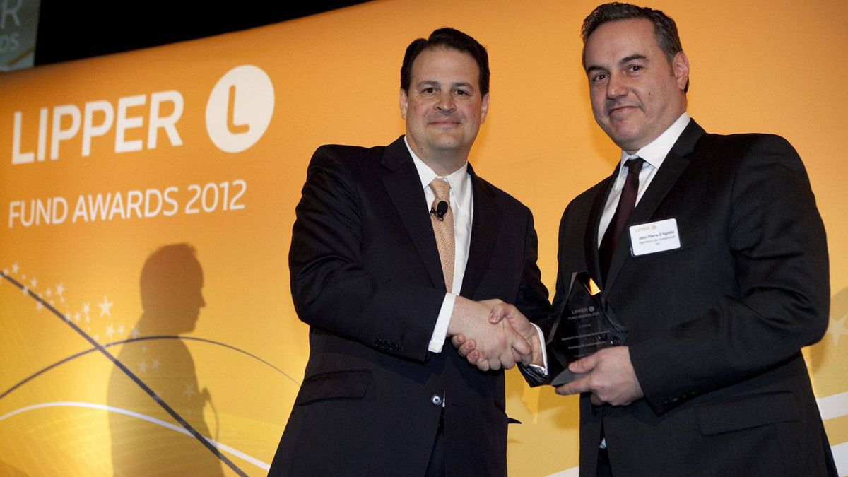 Jim Weber of Thomson Reuters, left, with Jean-Pierre D'Agnillo, who accepts an award for the Standard Life Corporate Bond Series A fund.
