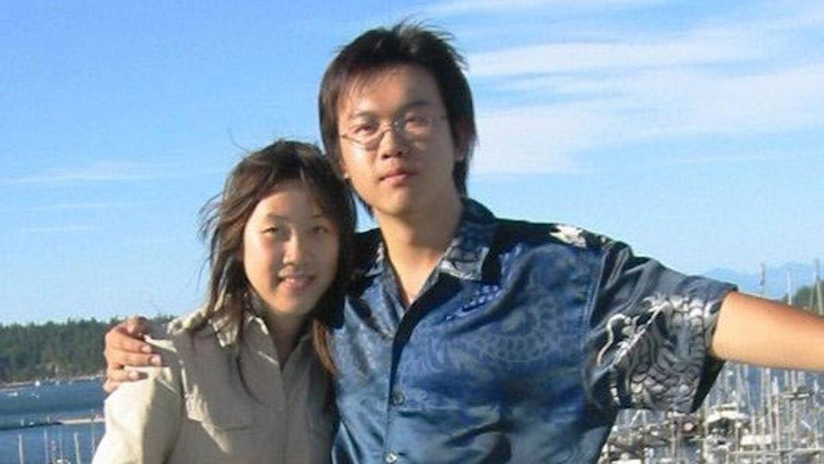 Li Jiaming, right, is on trial in Beijing in connection with the 2002 death of his girlfriend, Amanda Zhao.