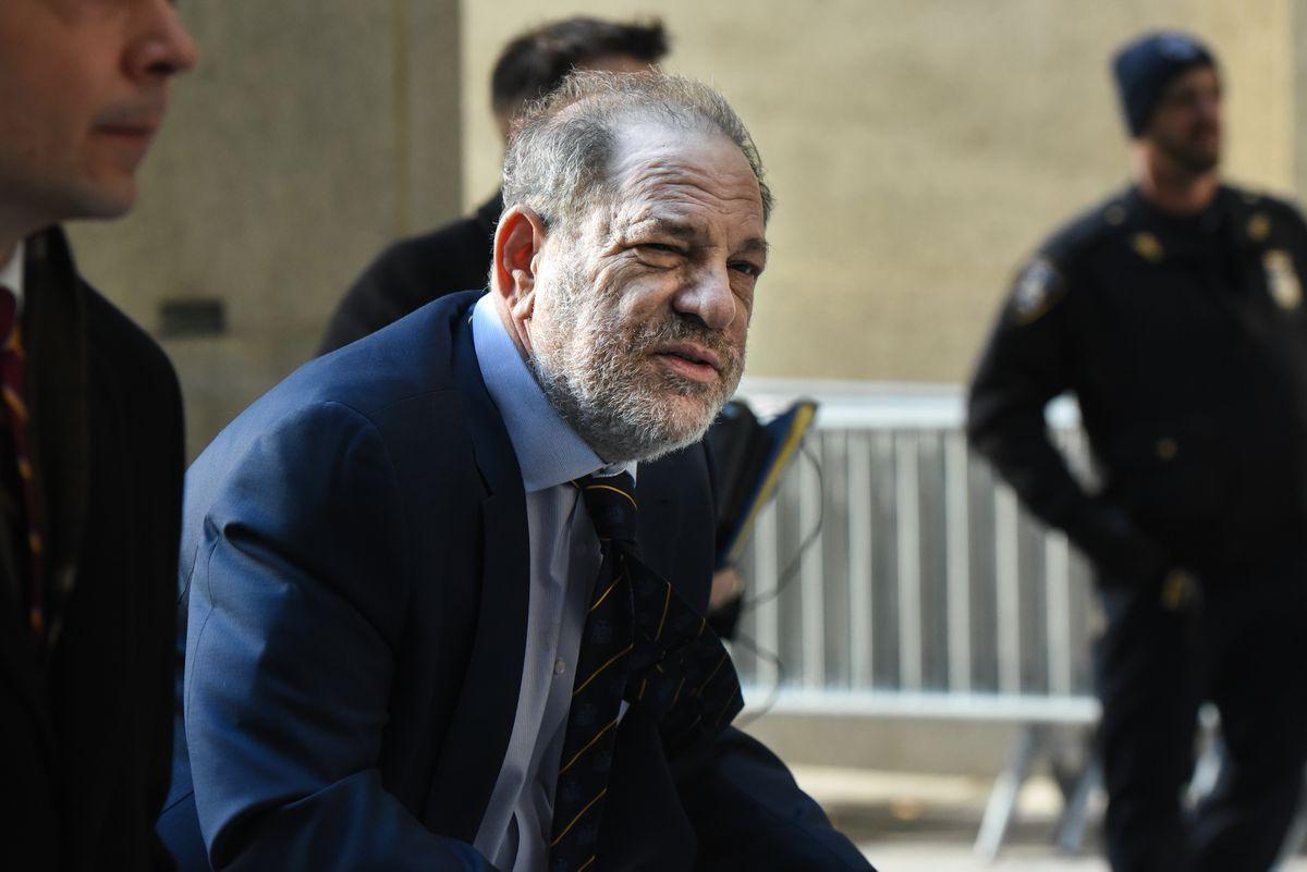 Prosecutors make closing arguments at Harvey Weinstein's rape trial in New York
