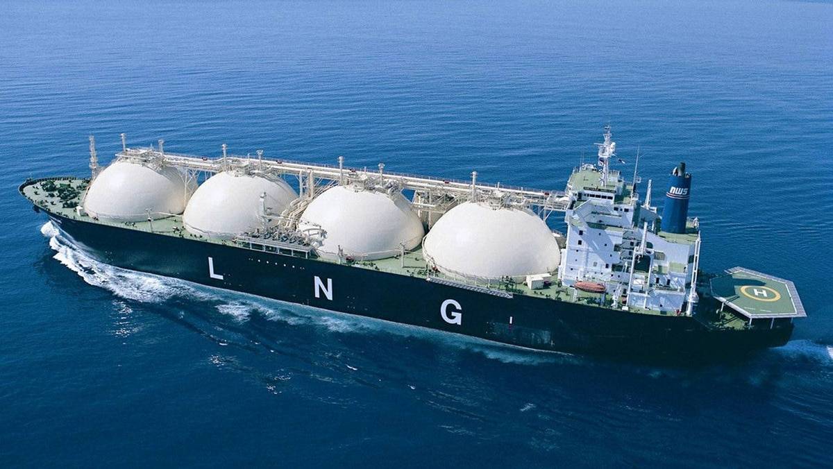 Undated file photo showing an Australia LNG ship sailing off the coast of Western Australia. Australian Prime Minister John Howard announced on August 8, 2002 a deal for Australia's LNG, the marketing arm for the North West Shelf gas joint venture, to supply liquefied natural gas to China's first LNG terminal in the southern province of Guangdong for the next 25 years. The deal is worth US$11-14 billion dollars, Australia's largest single export deal. REUTERS/Handout