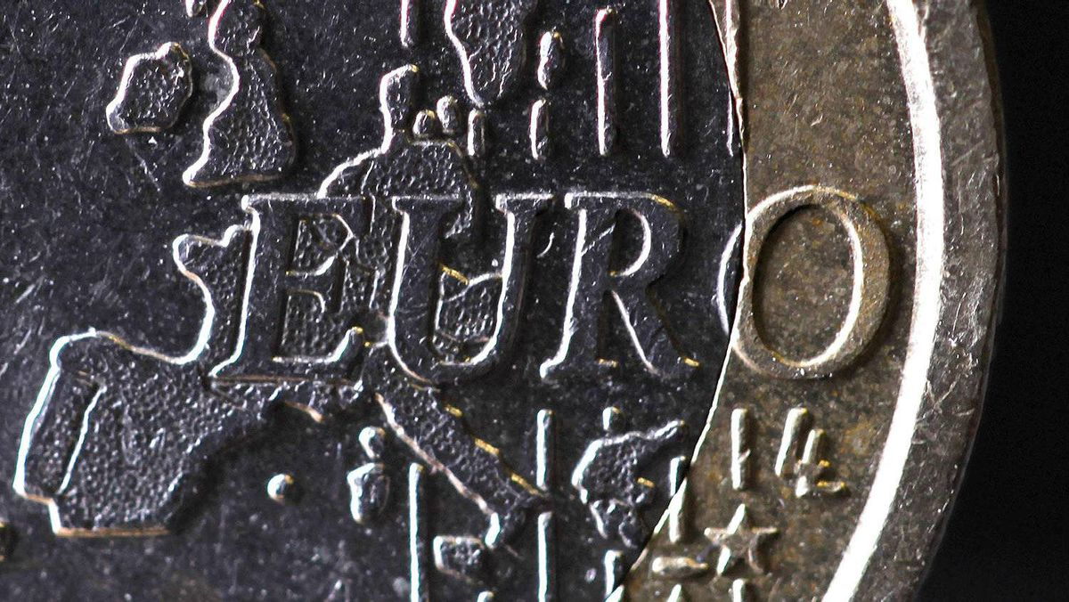 The map of Europe is featured on the face of a one Euro coin seen in this photo illustration taken in Paris, January 31, 2012.