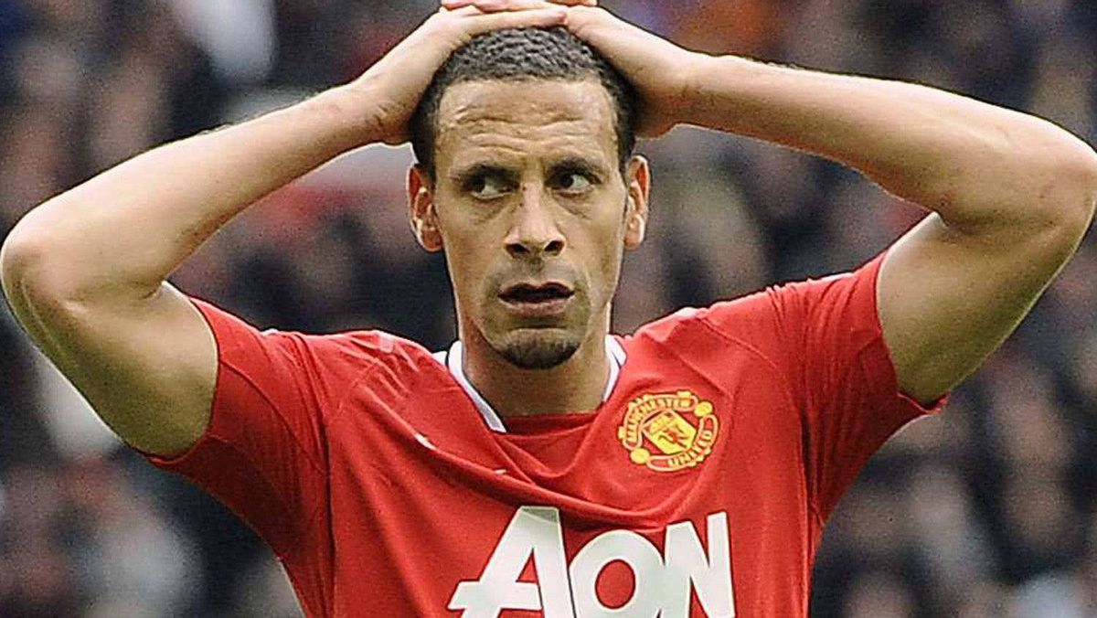 Manchester United's Rio Ferdinand reacts after a missed opportunity during their English Premier League soccer match against Everton in Manchester, northern England April 22, 2012. REUTERS/Nigel Roddis