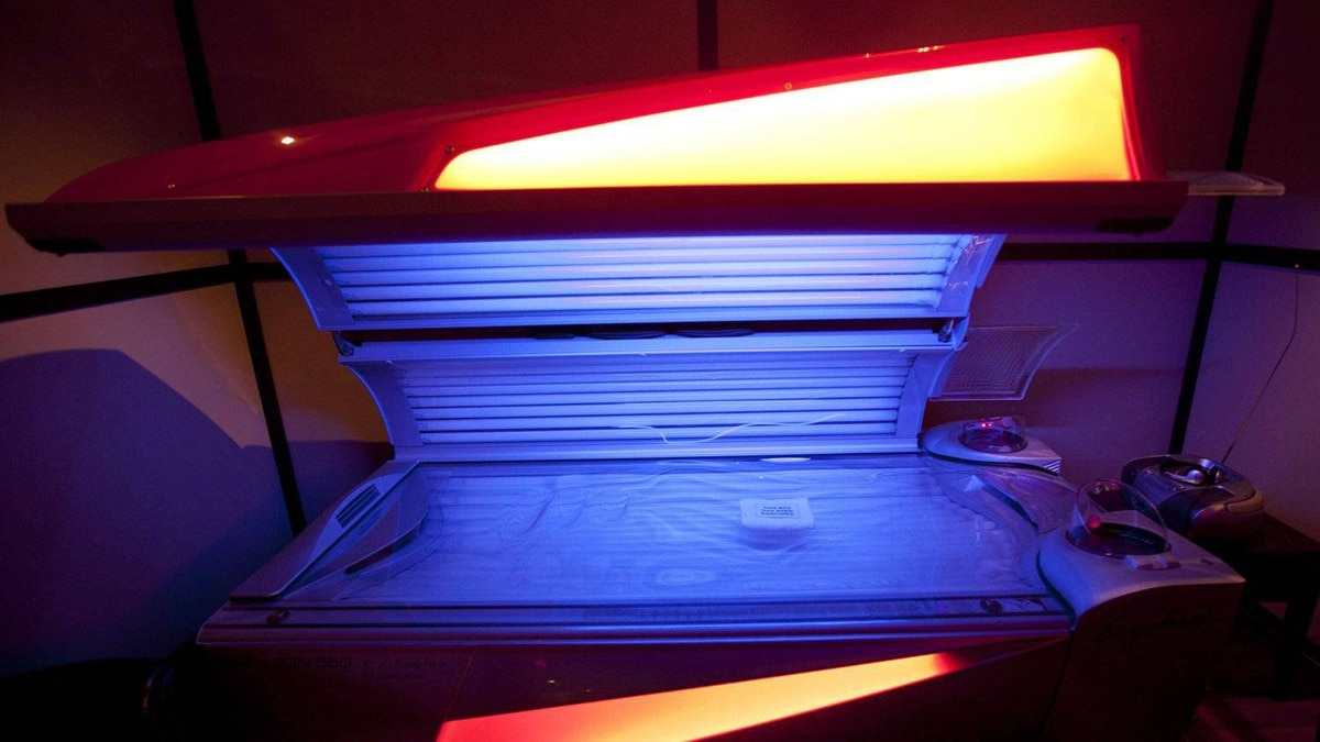 A tanning bed is seen in North Vancouver, B.C. Tuesday, March, 20, 2012. About 90 volunteers for the Canadian Cancer Society will be attending events at the Ontario legislature, where a private member's bill will be introduced that would institute a ban on indoor tanning for anyone under 18.