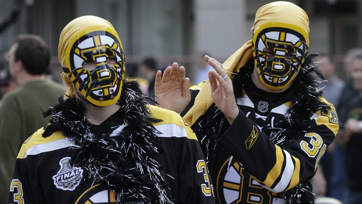 Boston Bruins fans arrive at the arena before Game 6 of the NHL hockey Stanley Cup final.