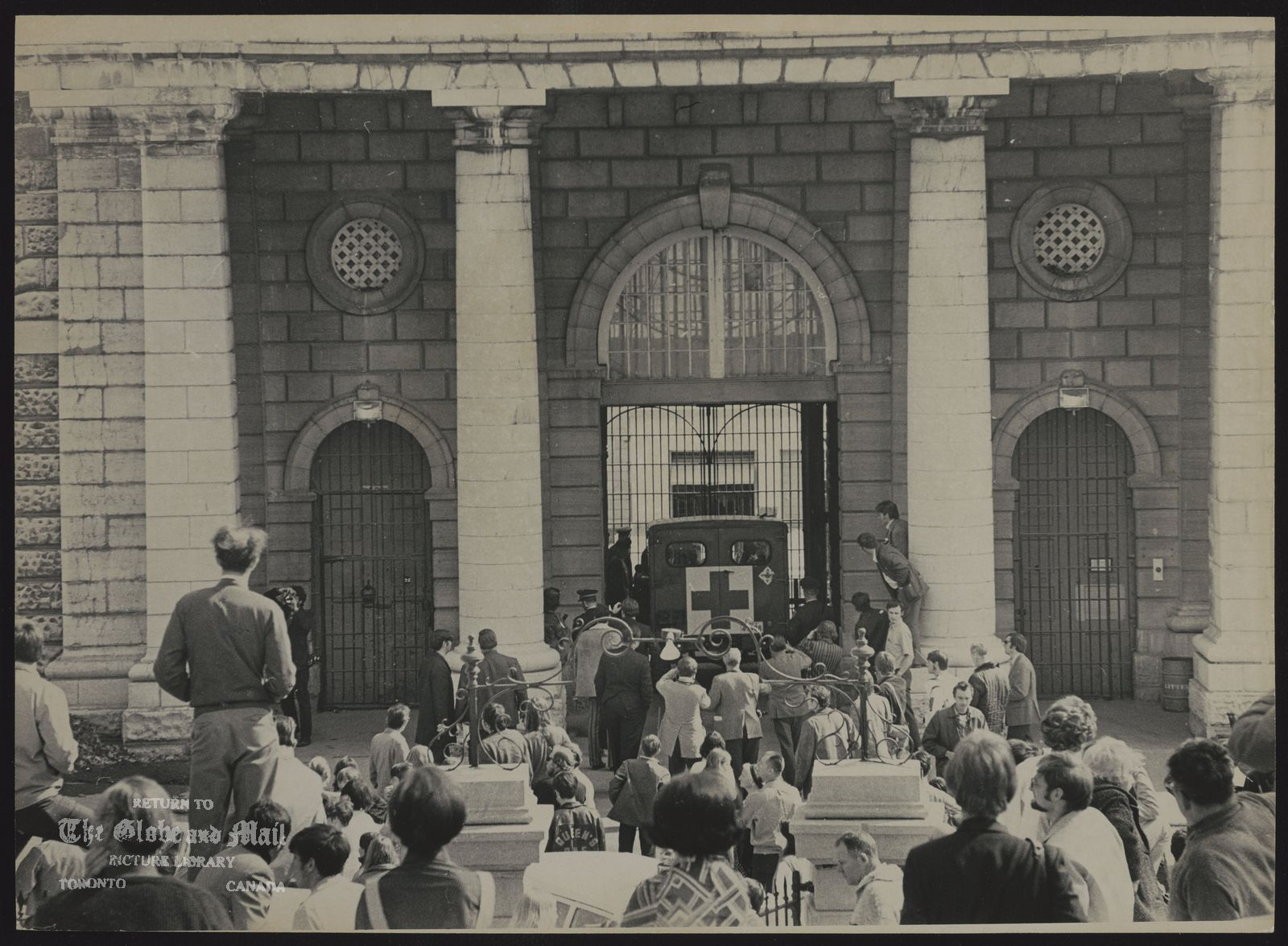 KINGSTON PENITENTIARY (Ontario) (Scene in front of pen during riot)