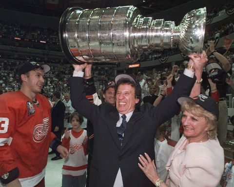Mike Ilitch, owner of Detroit Red Wings and Tigers, dies at 87