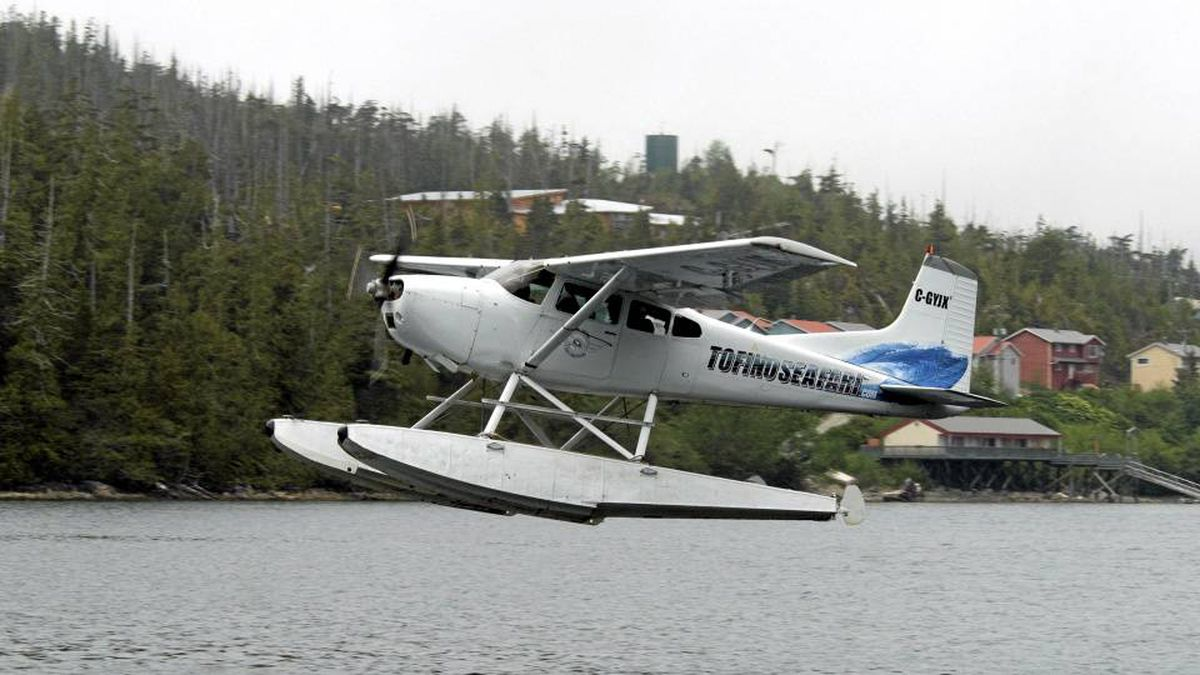 An Atleo Air Cessna 185 float plane like this one, shown in 2008, crashed into the water off Vancouver Island on Saturday, killing 4 people.