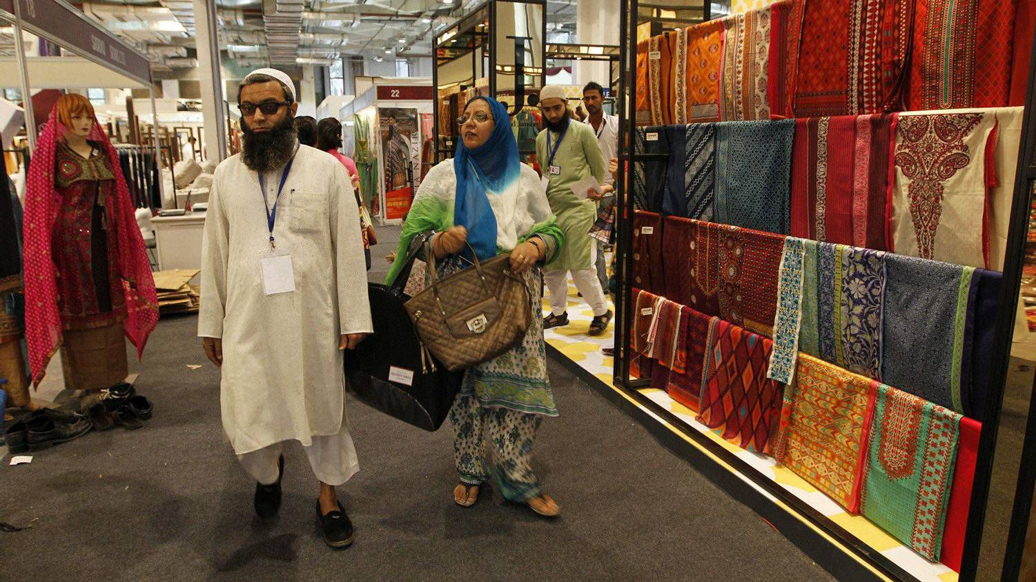 e2b53b3f70 Chic Pakistani clothing makes inroads in India - The Globe and Mail