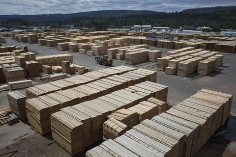 west fraser timber further cutting capacity The acquisition is a further step in west fraser's continuing expansion of its us lumber operations upon completion of this transaction, west fraser will have combined canadian and us lumber production capacity of 72 billion board feet.