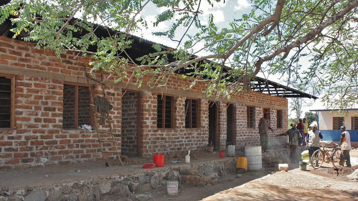 Building a school in the Tanzanian village of Azimio Mswiswi.