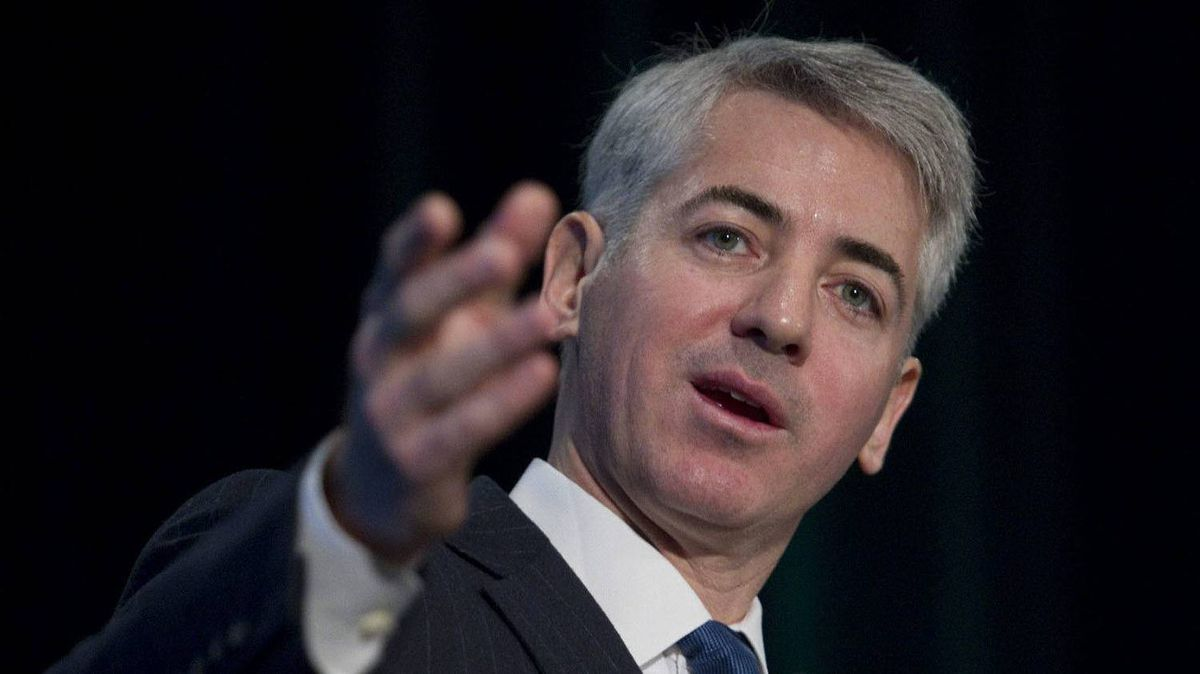 Bill Ackman of Pershing Square Capital Management gestures as he speaks during a Pershing Square Capital Management town hall meeting for Canadian Pacific Railway shareholders meeting in Toronto on Monday, February 6, 2012.