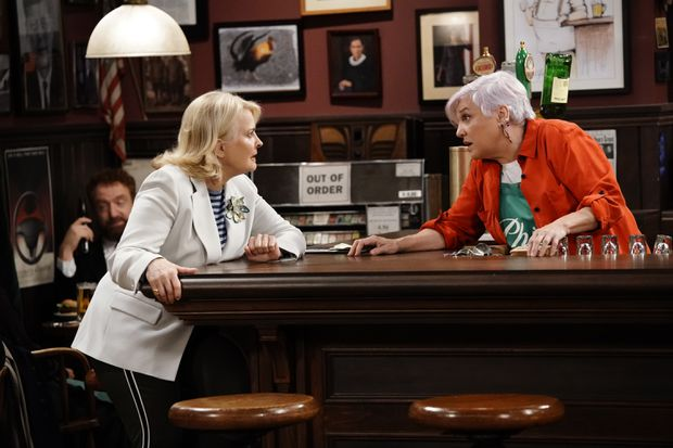 Hillary Clinton Made A Guest Appearance On The 'Murphy Brown' Premiere